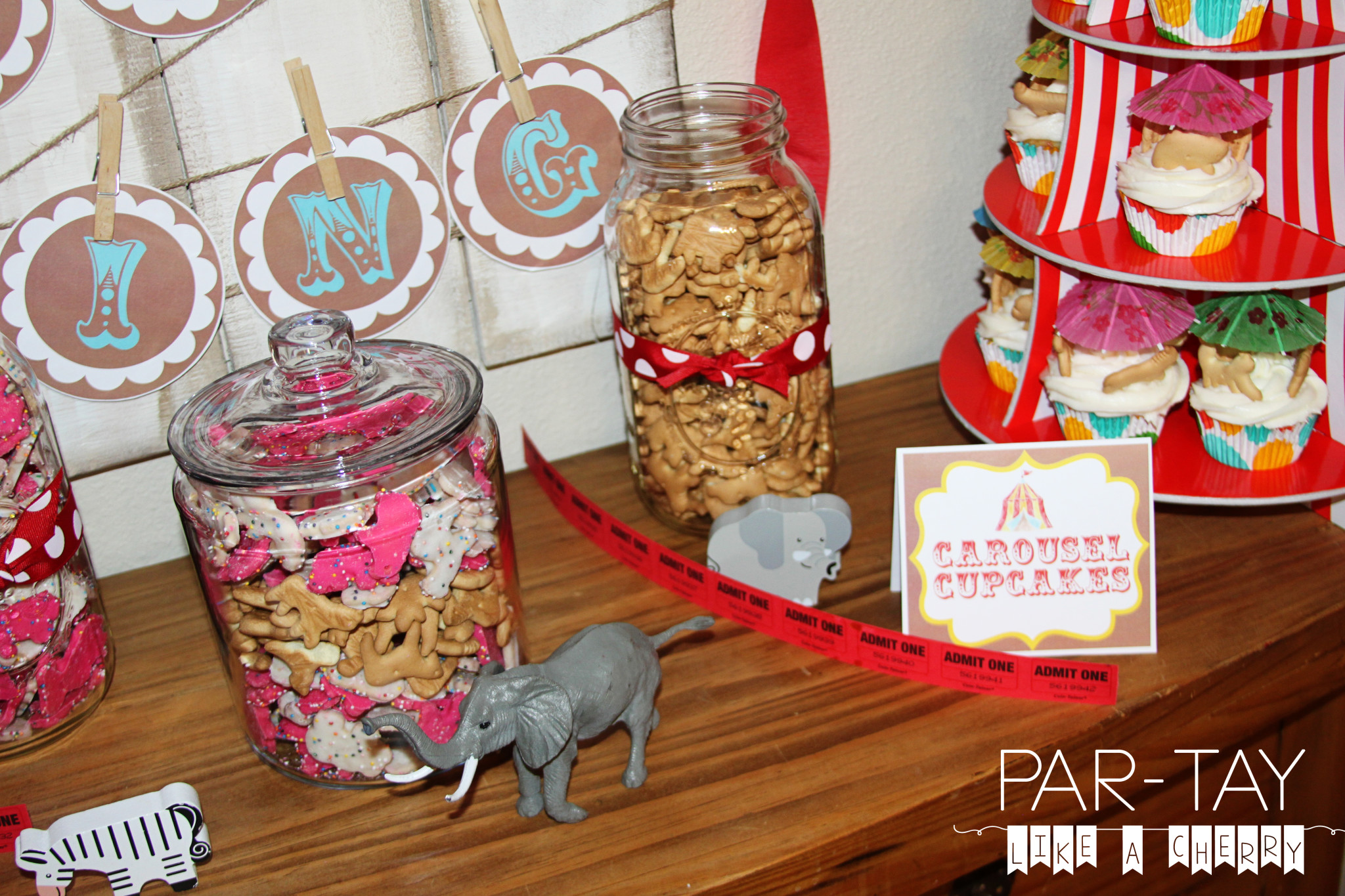 circus party dessert table ideas