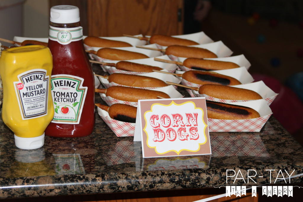 corn dogs free printable food label circus party food ideas