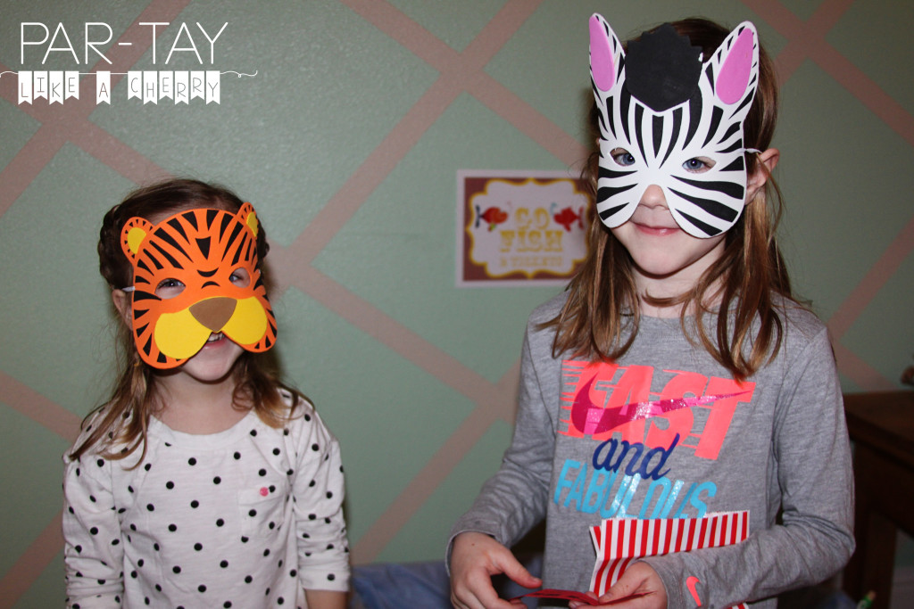 animal masks photo